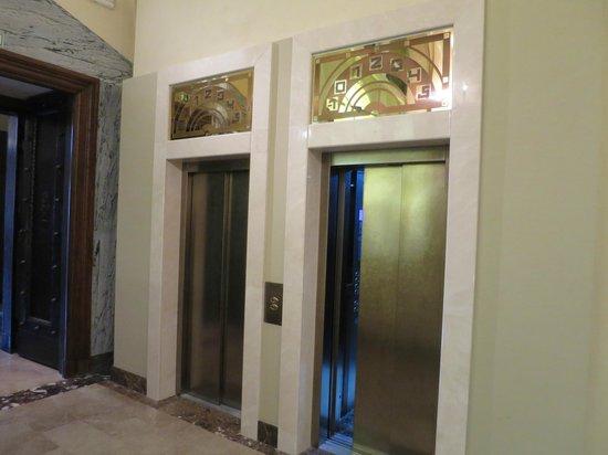 Hotel Grandezza: The elevators