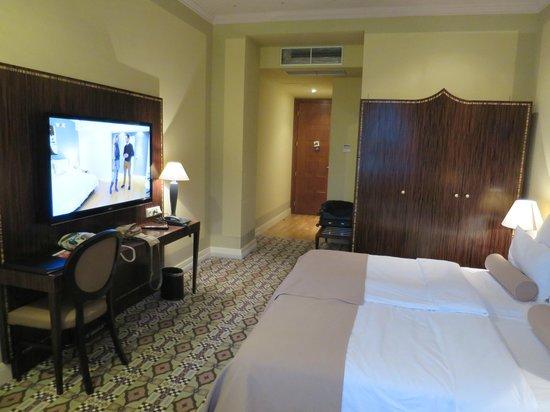 Hotel Grandezza: The room