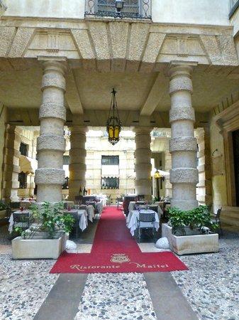 Maffei Restaurant: Lovely entrance