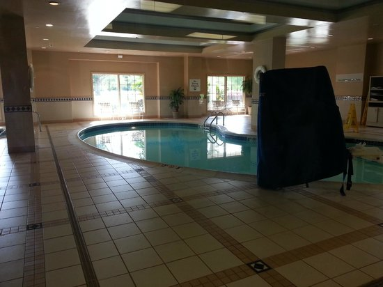 Holiday Inn Norfolk Airport : Pool