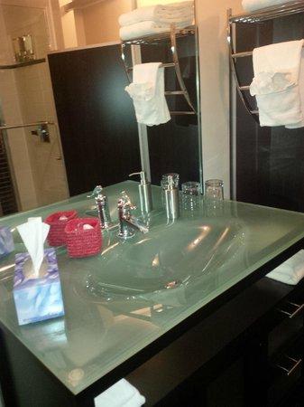 Hotel Le Saint-Germain : Propreté de la salle de bain