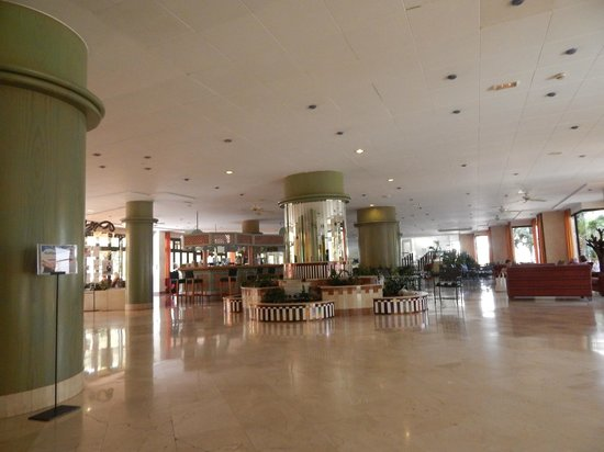 IFA Continental Hotel : Reception area