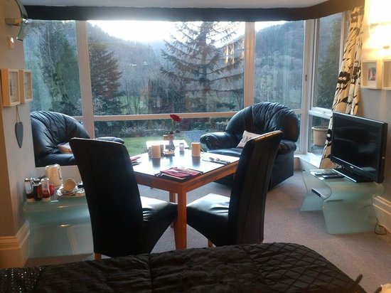 Tyn-y-Fron Luxury B&B: Valley View Suite