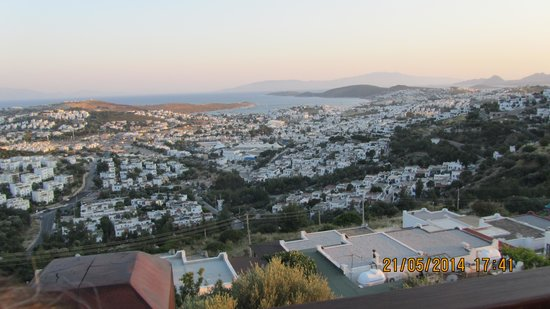Kafedaki Restaurant & Lounge: Bodrum view from table