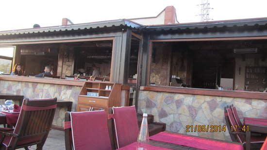 Kafedaki Restaurant & Lounge: View of bar from outside terrace