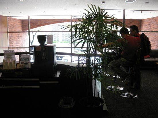 Hotel Wing International Nagoya: unlimited free coffee at lobby