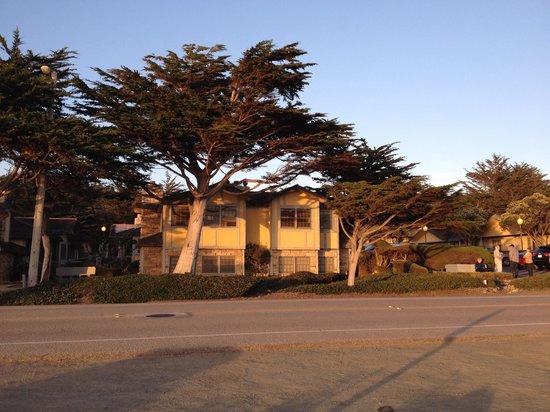 FogCatcher Inn: Ocean view suite