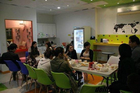 Hostel Korea 6: キッチン、リビング