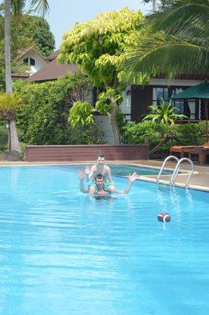Coco Palm Beach Resort: Pool