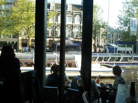Hard Rock Cafe Amsterdam: Vista dal bar