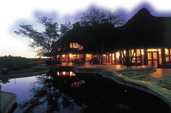 Chilo Gorge Safari Lodge: The main lodge at Chilo