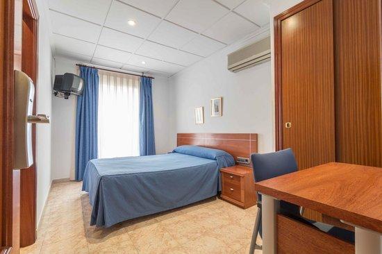 Hotel Reig: habitacion