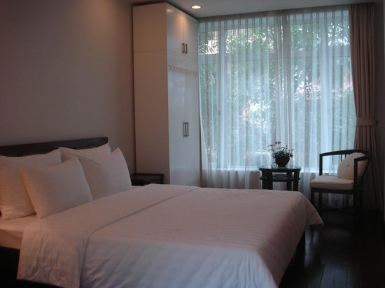 Viethouse Hanoi: Bedroom - lovely and bright