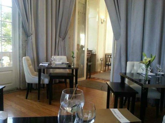 Pestana Palacio do Freixo: One area of the restaurant!