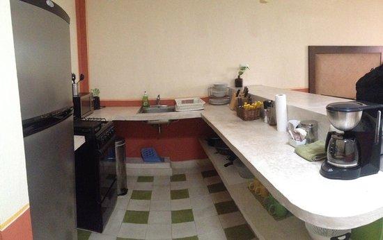 Luz En Yucatan: kitchen area