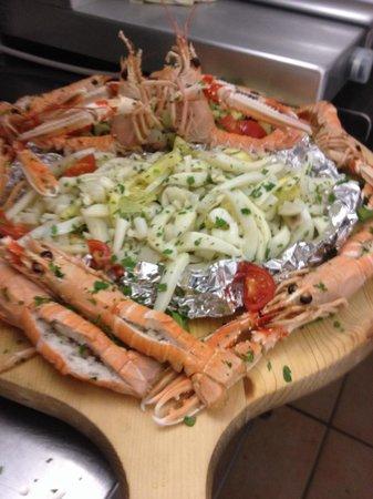 Abbronzatissima: Scampi e insalata mare!!!