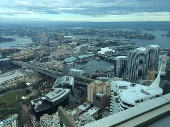 Meriton Serviced Apartments World Tower: view to darling harbour