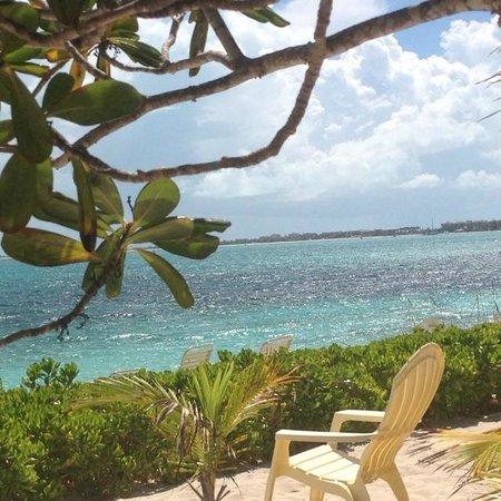 Atlantic Ocean Beach Villas: 20 feet from the door to our villa