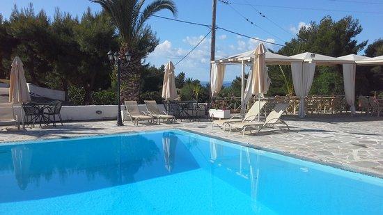 Princess Hotel: the pool
