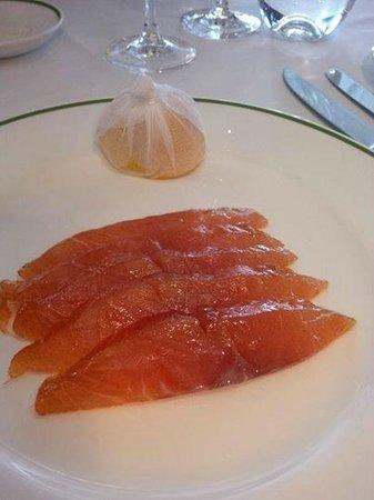 HIX Mayfair: My starter Smoked Salmon with a wedge of lemon