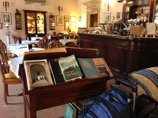 Meuble il Riccio Breakfast Room & Reading corner