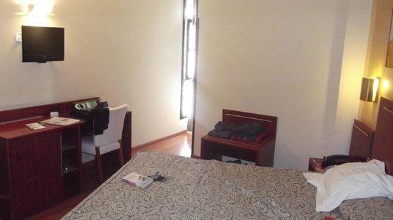 Hotel Garbi Millenni: Bedroom