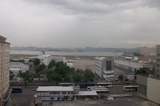 Hotel Novotel Rio De Janeiro Santos Dumont: view from the back rooms: domestic airport