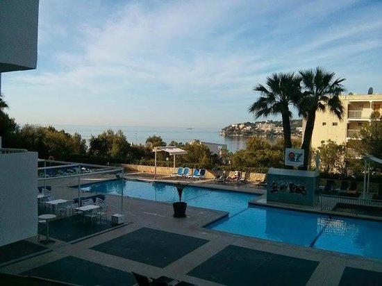 Vistasol Hotel & Apartamentos : view from ground floor room