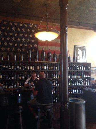 Bounty Hunter Wine Bar & Smokin' BBQ: Such a cool place!
