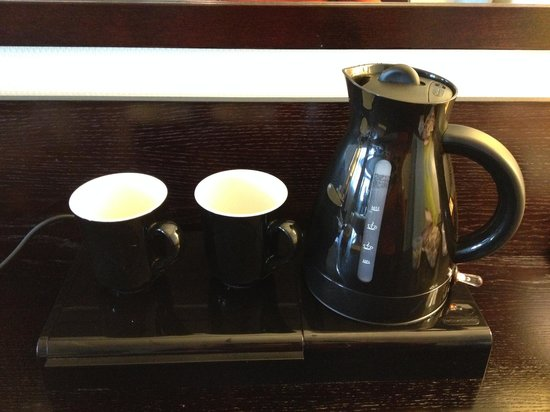 Mercure Manchester Piccadilly Hotel : tea/coffee facilities