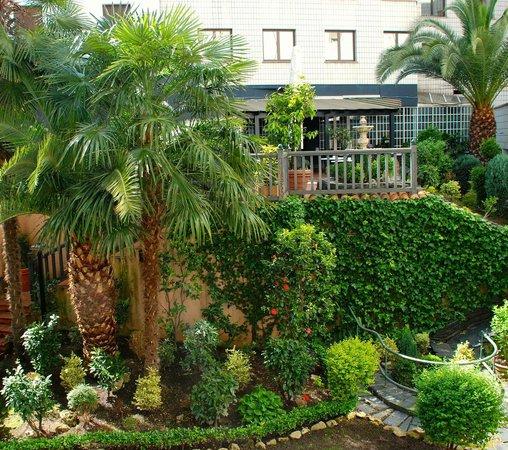 Silken Indautxu Hotel: Jardin