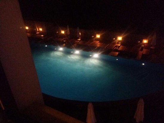 Queen Resort Hotel: Pool view