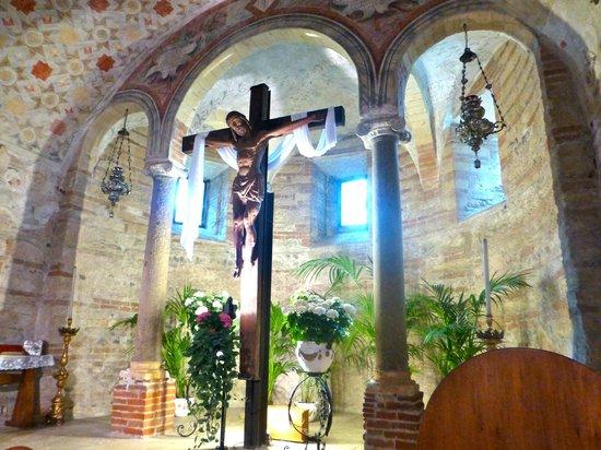Chiesa di San Fermo: Underneath church