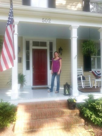 502 South Main: Front of the B&B - great porch swing