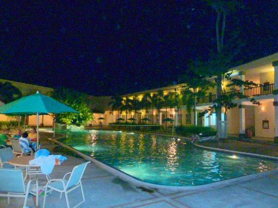 Hotel Antigua Mision Parque & Spa: By Night