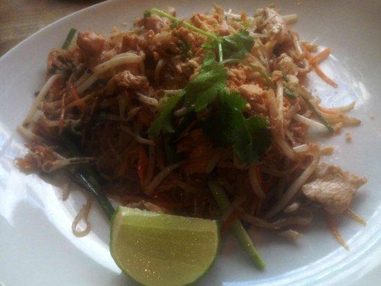 TUK TUK : Thai Street Food : Phad Thai Gai