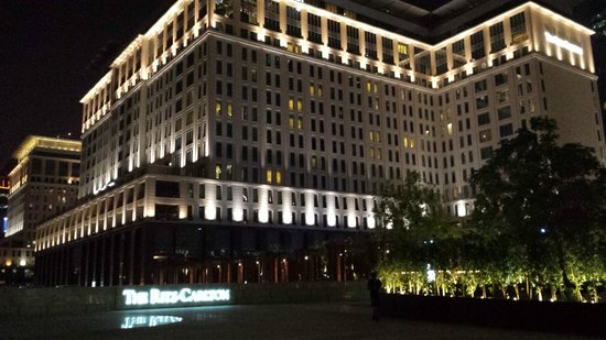 The Ritz-Carlton, Dubai International Financial Centre: Aussenansicht
