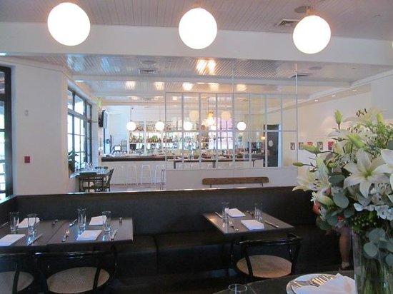 Agustin Kitchen: The Bar was beautiful