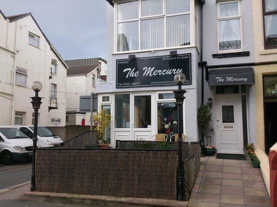 The Mercury: Front & patio area