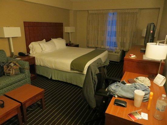 Holiday Inn Express Hampton Coliseum Central: Unser Zimmer