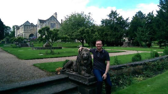 Monk Fryston Hall Hotel: I want to be a Lion tamer