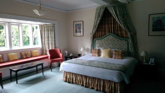 Monk Fryston Hall Hotel: Room 9