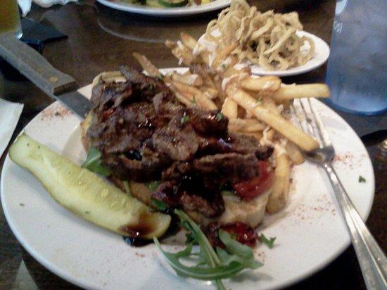 The Griffon Gastropub: Steak yum