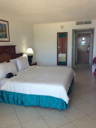 Great Bay Beach Resort, Casino & Spa : Inside of 3rd floor Oceanview Room , standard, clean
