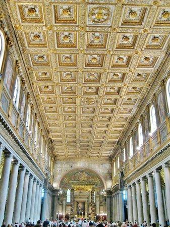 Basilica di Santa Maria Maggiore: Interno