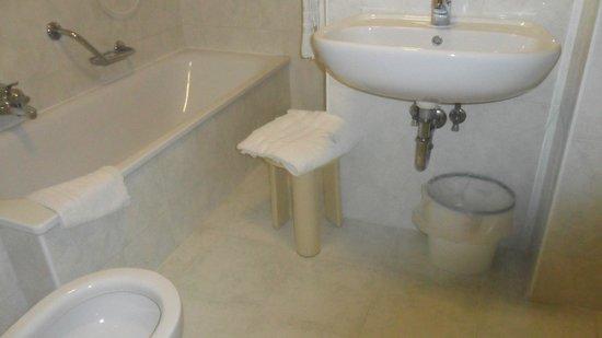 Hotel Basilea : bagno