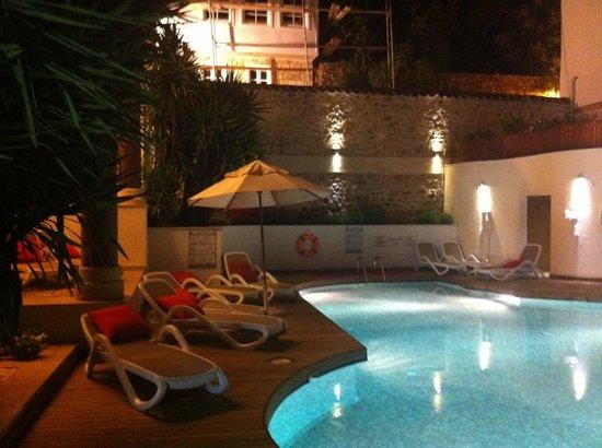 Puding Marina Residence: La piscina
