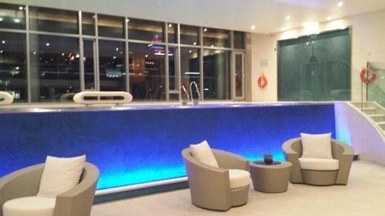 The Ritz-Carlton, Montreal: piscine