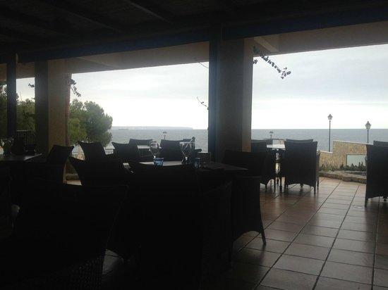 Barcelo Illetas Albatros: Bar piscina