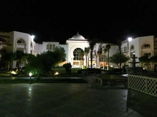 Old Palace Resort: Rear view of the hotel